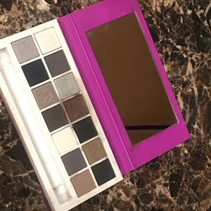 Clinique all about the eyes cool shadow palette